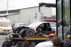 el auto de Lucas Auer, ART Grand Prix Mercedes-AMG C63 DTM después del choque