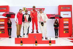 Podio Trofeo Pirelli Am: il vincitore #8 Ferrari of Ft. Lauderdale Ferrari 458
