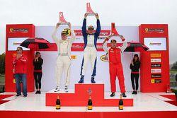 Podium Coppa Shell : le vainqueur Jean-Claude Saala, le deuxième, Dan O'Neal
