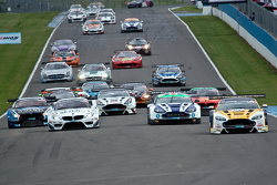 #27 TF Sport Aston Martin Vantage GT3: Andrew Jarman, Jody Fannin leads from the start