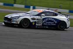 #407 Beechdean AMR Aston Martin GT4 Challenge: Jamie Chadwick, Ross Gunn