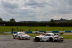 #888 Triple Eight Racing BMW Z4 GT3: Lee Mowle, Joe Osborne gets hit