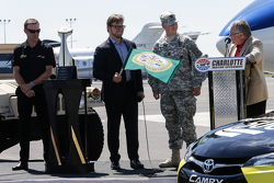 Matt Kenseth, Joe Gibbs Racing Toyota en Charlotte NC