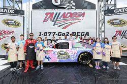 Jamie McMurray, Chip Ganassi Racing Chevrolet spent time medya ile birlikte ve youth in Talladega