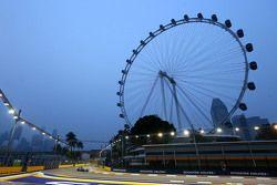 塞尔吉奥•佩雷兹,印度力量VJM08,新加坡摩天轮