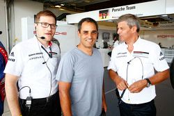 Andreas Seidl, team manager Porsche Team, Juan Pablo Montoya, Fritz Enzinger, LMP1 manager