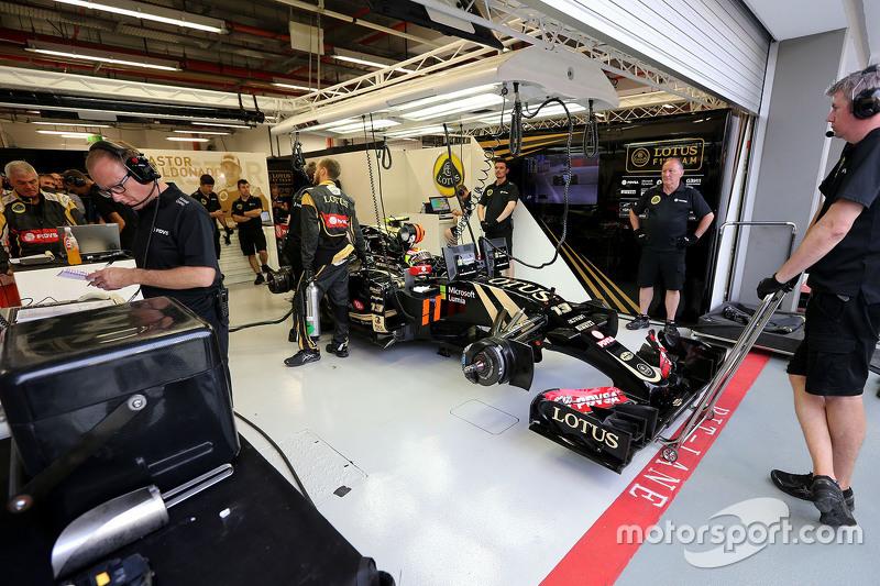 Mark Slade, Lotus F1 Team, Renningenieur, und Pastor Maldonado, Lotus F1 Team