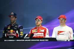 Rueda de prensa: ganador de la pole de Sebastian Vettel, de Ferrari, el segundo lugar Daniel Ricciar