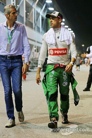 Pastor Maldonado, Lotus F1 Team with Alessandro Alunni Bravi, Driver Manager