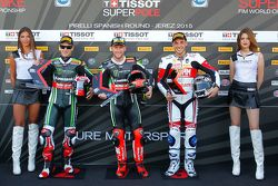 Qualifying: second place Jonathan Rea, Kawasaki, polesitter Tom Sykes, Kawasaki, third place Niccolo Canepa, Althea Racing