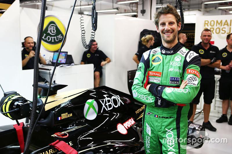 Romain Grosjean, Lotus F1 Team in Xbox overalls
