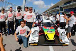 Schema cromatico in onore di Justin Wilson sulla vettura #60 Michael Shank Racing con Curb/Agajanian