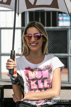 Chicas en el Paddock Argentina Dunkel Volk