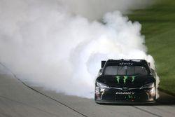 Kazanan Kyle Busch, Joe Gibbs Racing Toyota