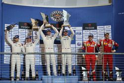Podio GTE Pro class: vincitori Richard Lietz, Michael Christensen, Porsche Team, secondo posto Frédé