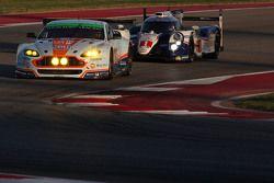 奥斯顿马丁车队98号阿斯顿马丁Vantage GTE赛车:保罗·德拉·拉纳、佩德罗·拉米、马蒂亚斯·劳达和丰田车队1号丰田TS040 Hybrid赛车:安东尼·戴维森、塞巴斯蒂安·布耶米、中岛一贵
