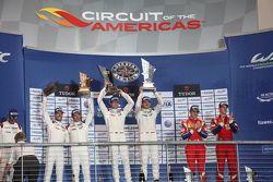 Podium LMGTE Pro : les vainqueurs Richard Lietz, Michael Christensen, Porsche Team, les deuxièmes, Frédéric Makowiecki, Patrick Pilet, Porsche Team, les troisièmes, Davide Rigon, James Calado, AF Corse