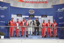 Özel LMP1 Podyum: İlk sıra Simon Trummer, Pierre Kaffer, ByKolles Racing, ikinci Dominik Kraihamer,
