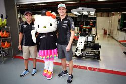 Sergio Perez, Sahara Force India F1 e Nico Hulkenberg, Sahara Force India F1 con Hello Kitty
