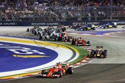 Sebastian Vettel, Ferrari SF15-T lidera o pelotão na largada