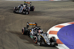 Nico Hulkenberg, Sahara Force India F1 VJM08 lidera a su compañero de equipo Sergio Pérez, Sahara Fo