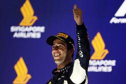 Daniel Ricciardo, Red Bull Racing fête sa deuxième place sur le podium