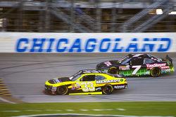 Paul Menard, Richard Childress Racing Chevrolet y Regan Smith, JR Motorsports Chevrolet