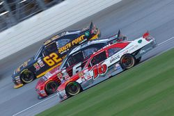 Ryan Reed, Roush Fenway Racing Ford ve Darrell Wallace Jr., Roush Fenway Racing Ford ve Brendan Gaug