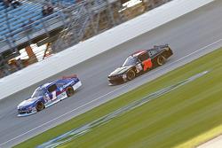Elliott Sadler, Roush Fenway Racing Ford and Mike Harmon