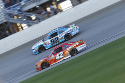 Kyle Larson, HScott Motorsports Chevrolet and Joey Gase, Jimmy Means Racing Chevrolet
