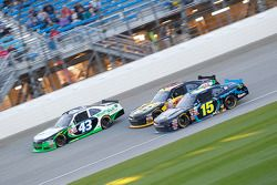 Dakoda Armstrong, Richard Petty Motorsports Ford y Martin Roy con Jimmy Weller, King Autosports Chev