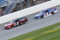 Darrell Wallace Jr., Roush Fenway Racing Ford and Elliott Sadler, Roush Fenway Racing Ford