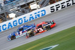 Elliott Sadler, Roush Fenway Racing Ford and Ty Dillon, Richard Childress Racing Chevrolet