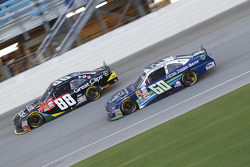 Chris Buescher, Roush Fenway Racing Ford y Kasey Kahne, JR Motorsports Chevrolet