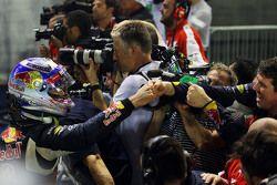 Daniel Ricciardo, Red Bull Racing fête sa deuxième place dans le Parc Fermé
