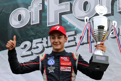 Peringkat kedua George Russell, Carlin Dallara F312 Volkswagen