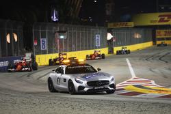 Sebastian Vettel, Ferrari SF15-T lidera detrás del SafetyCar