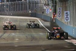 Max Verstappen, Scuderia Toro Rosso STR10 leads Romain Grosjean, Lotus F1 E23 and Sergio Perez, Saha