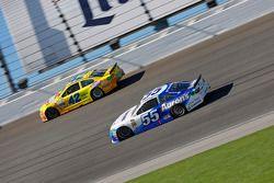 David Ragan, Michael Waltrip Racing Toyota ve Kyle Larson, Chip Ganassi Racing Chevrolet