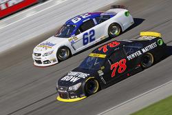 Martin Truex Jr., Furniture Row Racing Chevrolet y Timmy Hill
