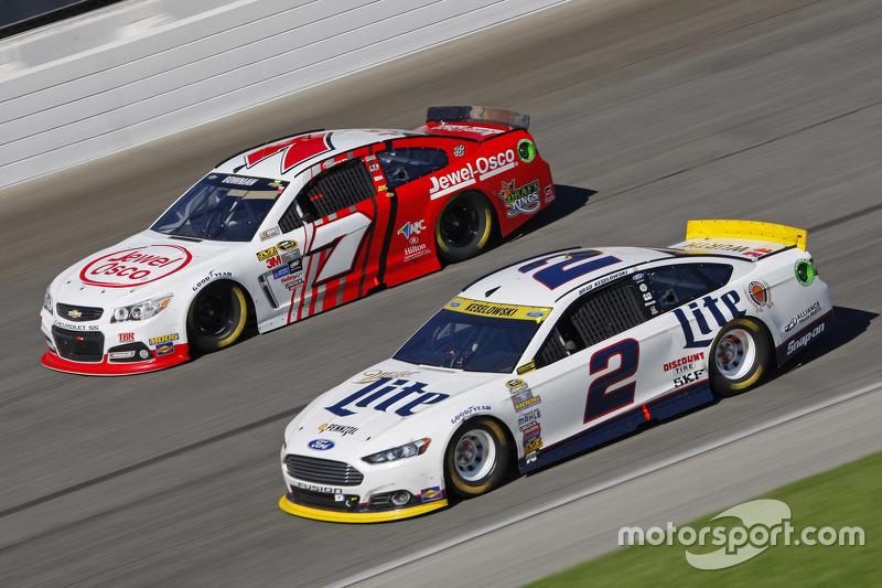 Brad Keselowski, Team Penske Ford; Alex Bowman, Tommy Baldwin Racing