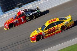 Joey Logano, Team Penske Ford and Jamie McMurray, Chip Ganassi Racing Chevrolet