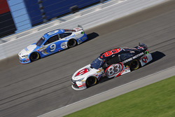 Matt Dibenedetto, BK Racing Toyota y Sam Hornish Jr., Richard Petty Motorsports Ford