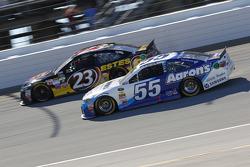 David Ragan, Michael Waltrip Racing Toyota y Jeb Burton, BK Racing Toyota