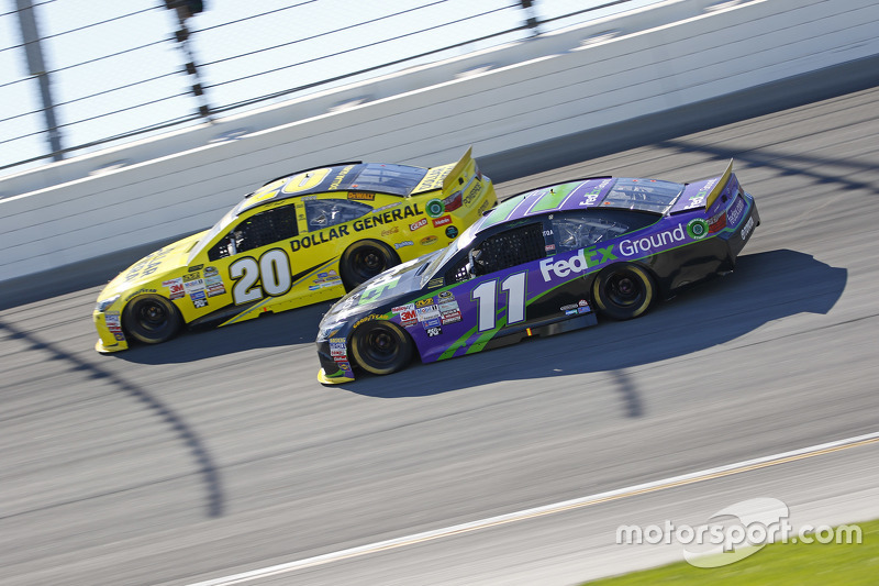 Denny Hamlin, Joe Gibbs Racing Toyota; Matt Kenseth, Joe Gibbs Racing Toyota