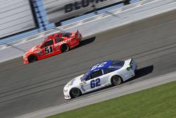 Timmy Hill et Justin Allgaier, HScott Motorsports Chevrolet