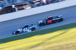Jimmie Johnson, Hendrick Motorsports Chevrolet; Martin Truex Jr., Furniture Row Racing Chevrolet