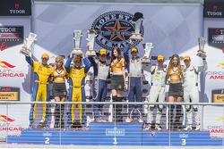 GTD-Podium: 1. #33 Riley Motorsports SRT Viper GT3-R: Ben Keating, Jeroen Bleekemolen; 2. #97 Turner
