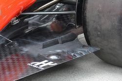 Le fessure del fondo precedente della Ferrari