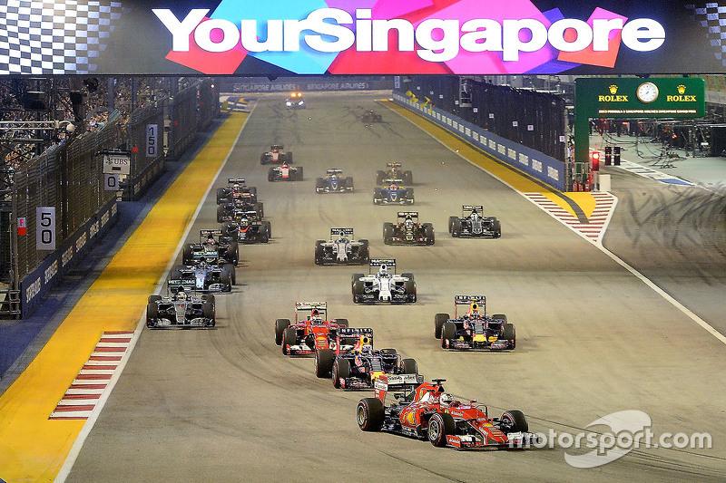 После Гран При Венгрии пилоты Mercedes в том сезоне отдали соперникам всего одну победу – на трассе в Сингапуре